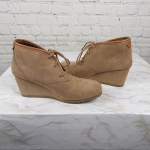 Mad Love Girl Boot Size 1 2 3 4 6 Bootie Low Wedge Faux Suede Tan Lace Up New